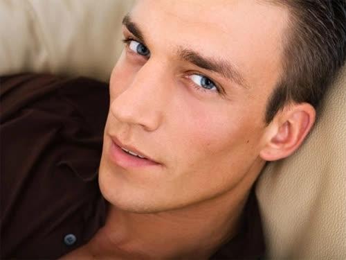 Những gương mặt đàn ông dễ ngoại tình - Ảnh 5