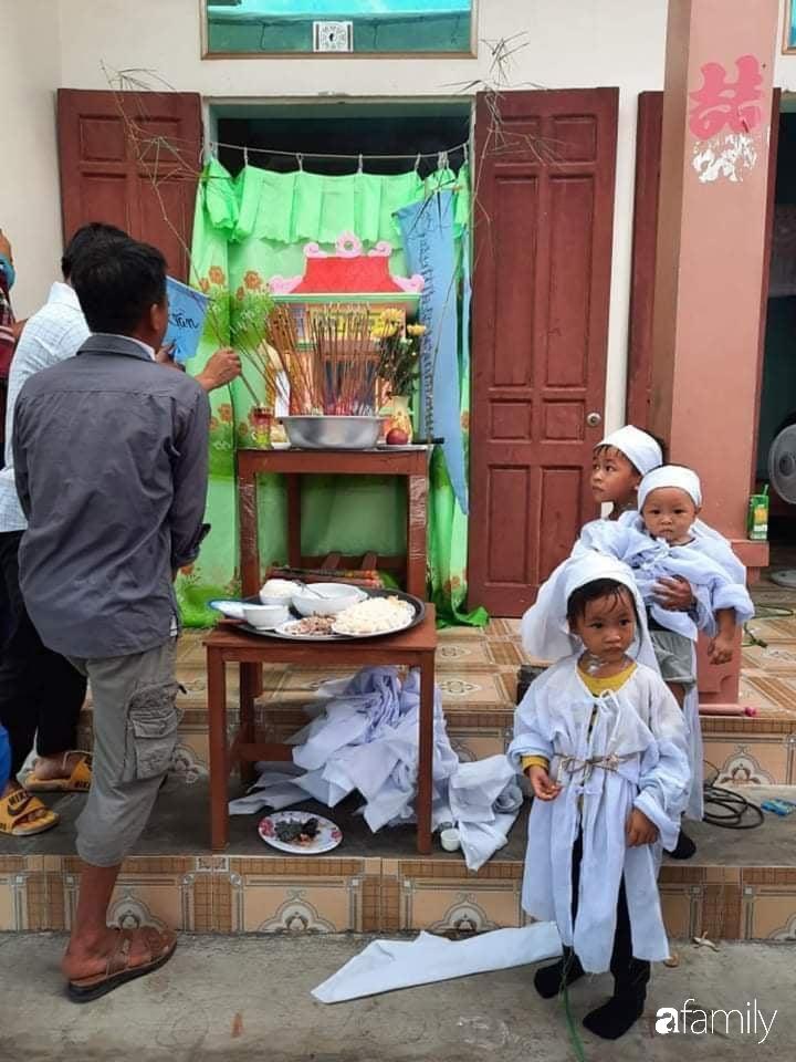 Vụ chồng ghen tuông hoang tưởng đâm chết vợ ở Nghệ An: Xót xa 3 đứa con thơ bơ vơ khát sữa, gào khóc đòi mẹ - Ảnh 4
