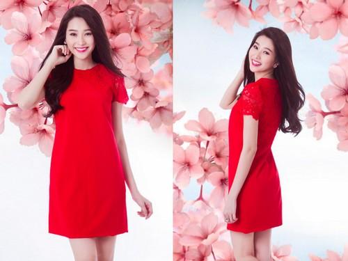 Mẫu đầm váy đỏ diện Tết đơn giản mà không kém phần nổi bật