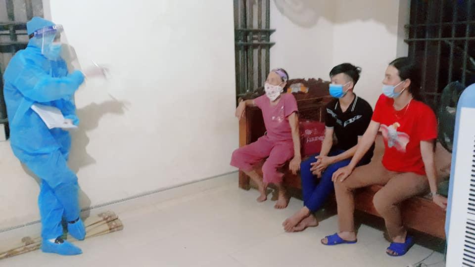 27 người tiếp xúc gần với nữ bệnh nhân 435 có kết quả âm tính với SARS-CoV-2 - Ảnh 2