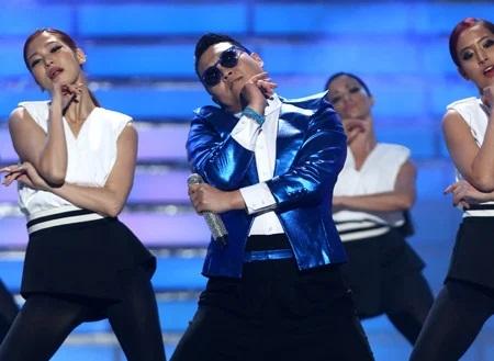 4 MV Kpop đạt 1 tỷ view nhanh nhất: BLACKPINK mất hơn 1 năm, nghệ sĩ này chỉ cần vài tháng - Ảnh 2