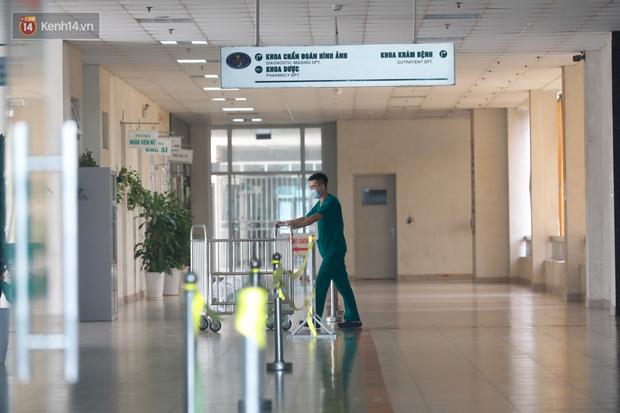 Ảnh: Bệnh viện Bệnh Nhiệt đới Trung ương sẵn sàng đón 120 bệnh nhân Covid-19 từ Guinea Xích đạo về nước, bố trí robot hỗ trợ chăm sóc, điều trị - Ảnh 7