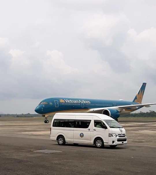 Chuyến bay chở 140 công dân Việt mắc COVID-19 từ Guinea về Hà Nội được xử lý như thế nào? - Ảnh 1