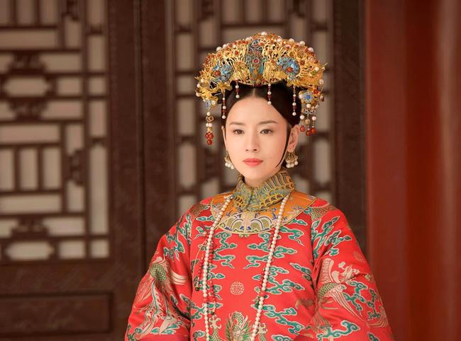 Chuyện về 2 bà cháu cùng gả cho Hoàng đế Càn Long: Người trở thành Hoàng hậu trong khi cháu gái lại cô độc cả đời ở chốn thâm cung - Ảnh 2