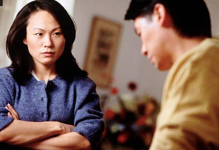 Pha 'phản dame' cực mạnh: Chị chồng vừa nói mỉa em dâu 'không kiếm ra tiền phải biết an phận' đã bị 'vạch tội' bởi người thân nhất - Ảnh 2