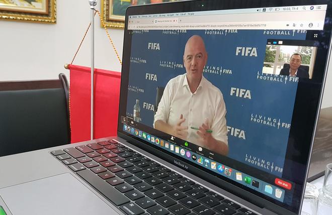 Gặp khó khăn vì dịch Covid-19, Liên đoàn bóng đá Việt Nam nhận 1,5 triệu USD tiền hỗ trợ từ FIFA - Ảnh 1
