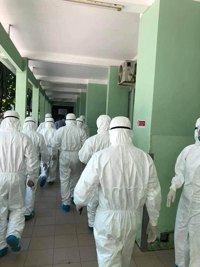Hình ảnh các y bác sĩ cả nước đến Đà Nẵng, vội vã chống lại Covid-19 gây xúc động mạnh - Ảnh 2