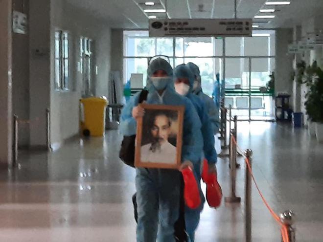 Hình ảnh đầu tiên của những bệnh nhân Covid-19 về từ Guinea Xích Đạo - Ảnh 1