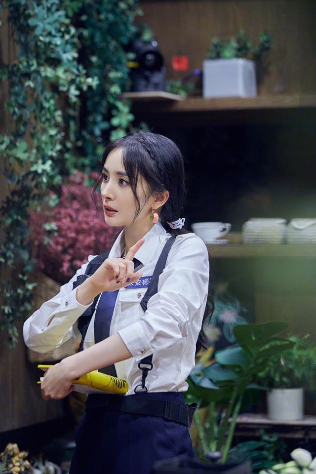 Netizen dậy sóng với cảnh Dương Mịch - Đặng Luân được bồng bế kiểu công chúa trên truyền hình - Ảnh 5