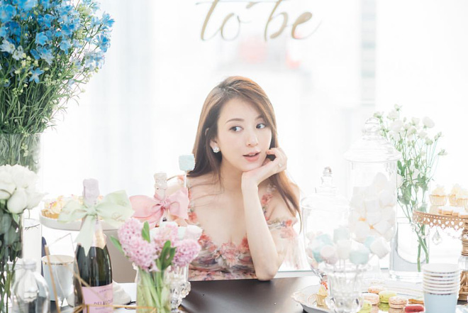 Vợ người mẫu nóng bỏng, kém 22 tuổi được 'Thiên vương Hong Kong' chiều như bà hoàng là ai? - Ảnh 6