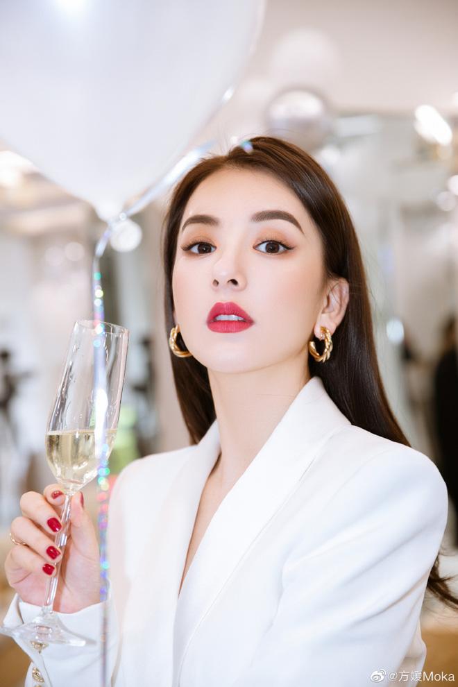 Vợ người mẫu nóng bỏng, kém 22 tuổi được 'Thiên vương Hong Kong' chiều như bà hoàng là ai? - Ảnh 9
