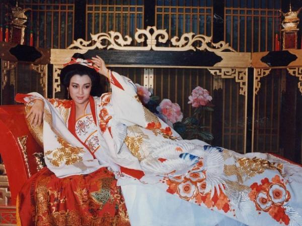 Với nhan sắc trời ban, mỹ nhân từ con dâu trở thành Quý phi của cha chồng, đam mê làm đẹp đến mức vô sinh và cái kết bi thảm - Ảnh 5