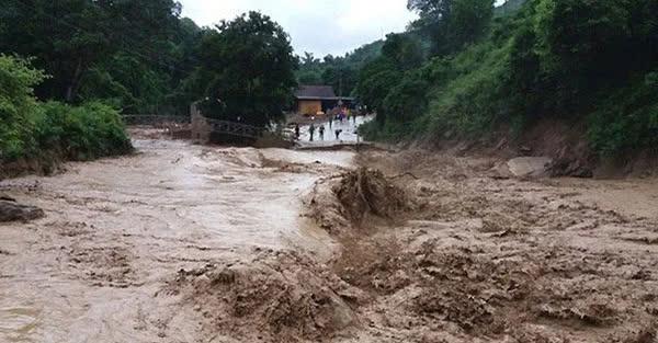 Cảnh báo lũ quét, sạt lở đất và ngập úng tại các tỉnh Thanh Hóa, Nghệ An, Hà Tĩnh - Ảnh 1