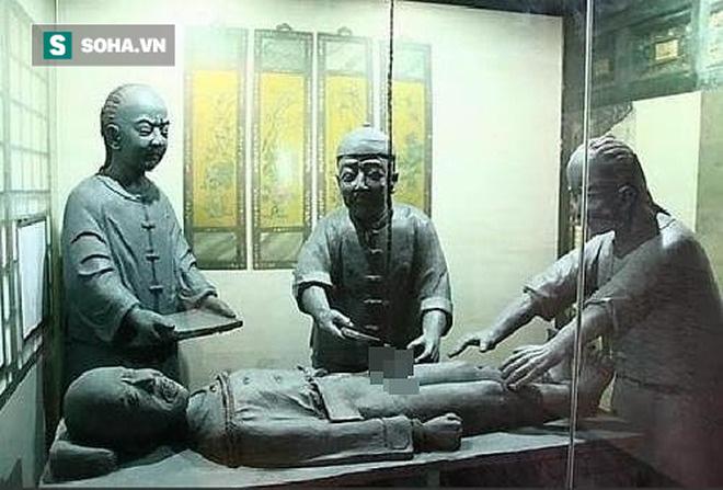 Có mùi khó ngửi vì lý do sinh lý, thái giám Trung Hoa xưa làm thế nào để giấu mùi cơ thể? - Ảnh 1