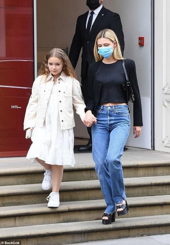 David Beckham khoe khoảnh khắc hẹn hò với gái xinh nhưng lại không phải là bà xã Victoria - Ảnh 3