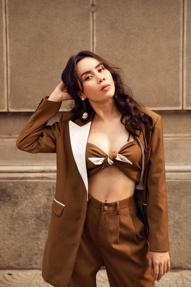 Lưu Hương Giang sau 2 lần sinh nở: Giấu chồng phẫu thuật thẩm mỹ, mặc sexy ở tuổi U40 - Ảnh 7