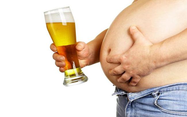 Nam giới xuất hiện '2 lớn 1 nhỏ' chứng tỏ cơ thể đang lão hóa mạnh - Ảnh 1