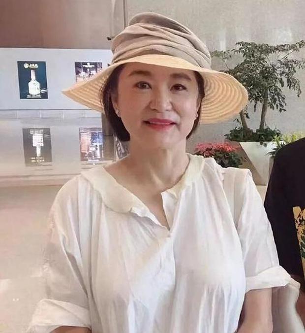 Nhan sắc tuổi U70 của 'đệ nhất mỹ nhân' khiến Châu Tinh Trì ngưỡng mộ, mê mẩn - Ảnh 3