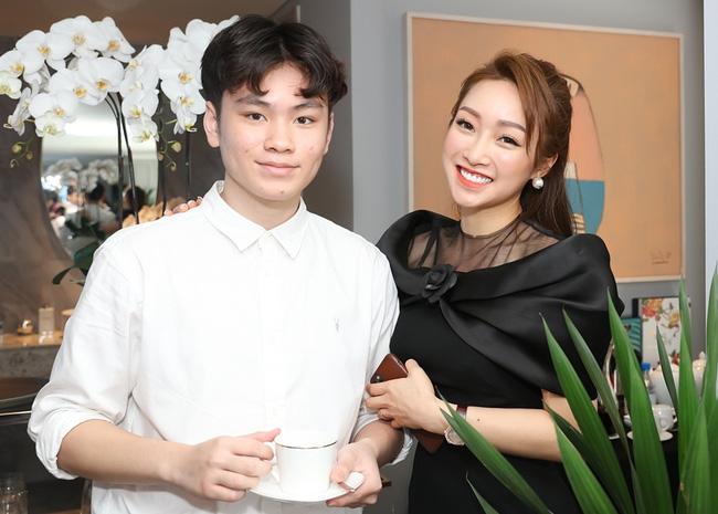 Phản ứng của con sao Việt khi bố mẹ có tình mới: Subeo đầy khoảnh khắc ngọt ngào bên Kim Lý và Đàm Thu Trang, bất ngờ nhất là chia sẻ của con trai Chi Bảo - Ảnh 2