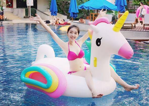 Từ Việt Nam ra thế giới, hội người yêu game thủ đua nhau diện bikini khoe body nóng bỏng 'đốt mắt' người hâm mộ - Ảnh 11