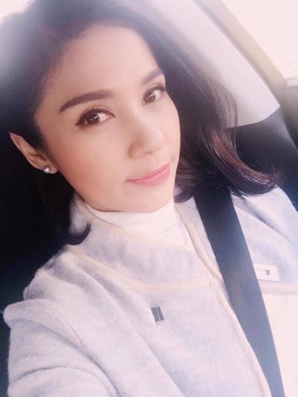 Diễn viên Việt Trinh khoe ảnh thời chưa 'dậy thì thành công' - Ảnh 8