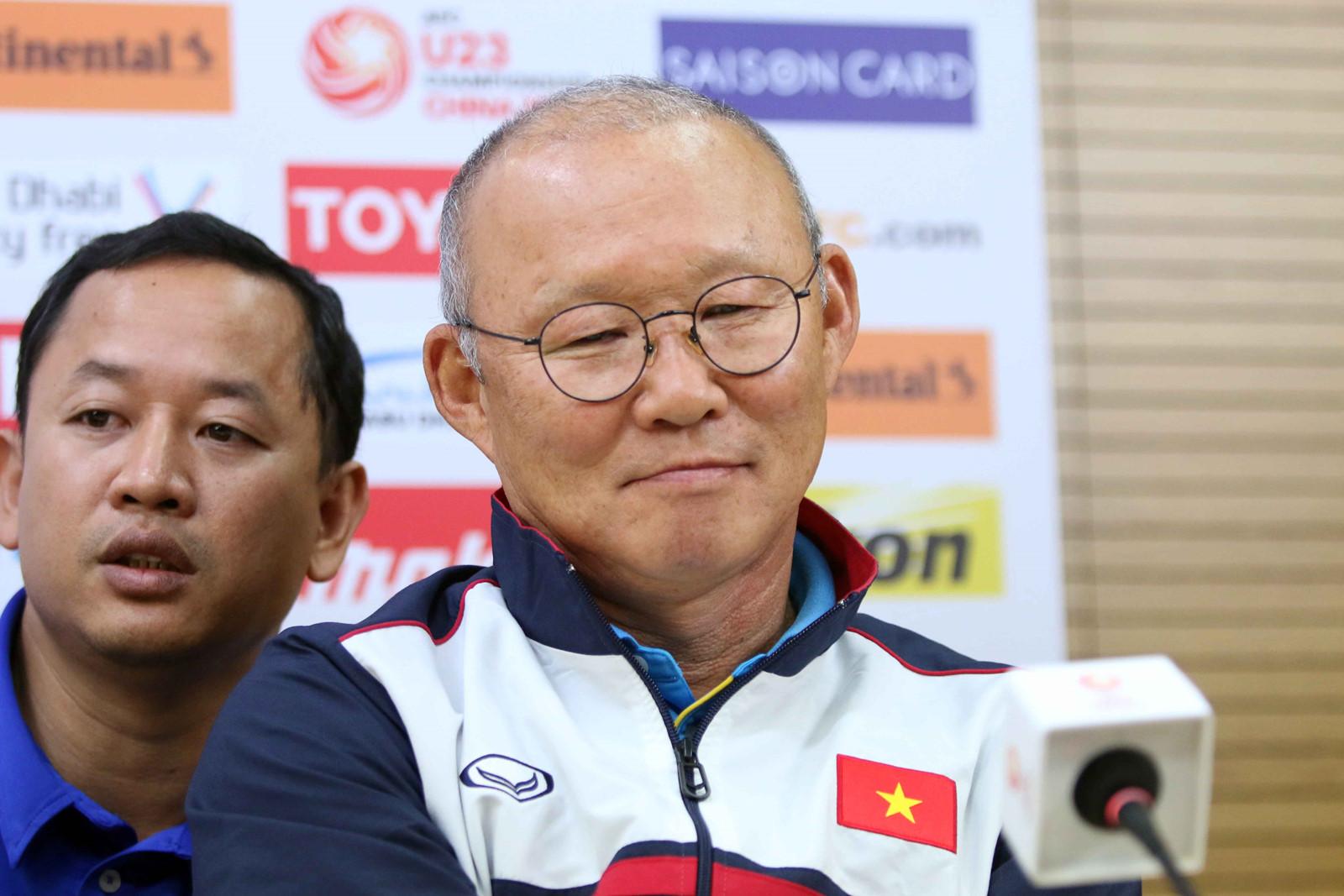 HLV Park Hang-seo: 'Tôi mà bị đuổi về Hàn Quốc là Quang Hải phải chịu trách nhiệm đấy' - Ảnh 1
