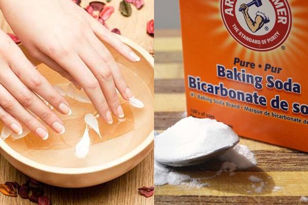 Vết chai trên tay được loại bỏ dễ dàng với baking soda