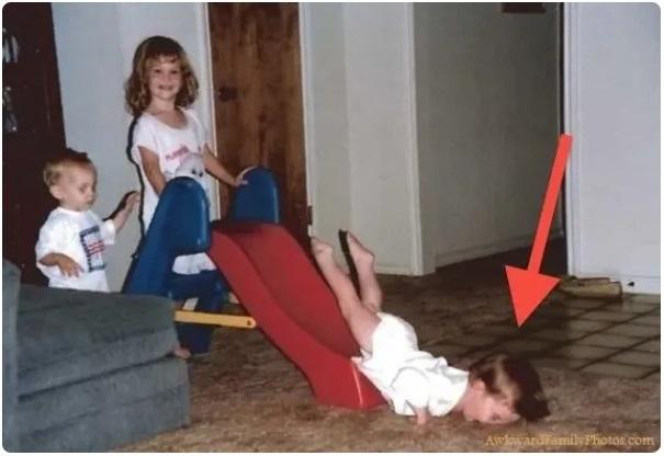 Cười đau ruột khi xem các bức ảnh chụp anh chị em một nhà: Kiểu gì cũng có một nhân vật phá hỏng khuôn hình - Ảnh 4