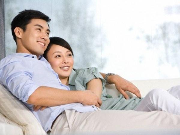 Vợ chồng phải cực yêu thương nhau thì mới có 8 biểu hiện này, muốn giả vờ cũng khó - Ảnh 1