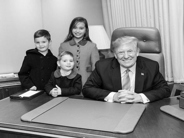 Các con Tổng thống Trump chúc mừng sinh nhật cha bằng một loạt bức hình ý nghĩa còn Đệ nhất phu nhân Mỹ có hành động ngược lại