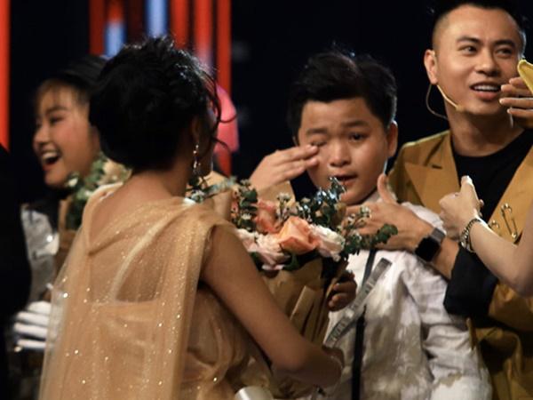 Chấn Quốc: 'Con thông cảm cho chú Nguyên Khang khi đọc sai tên'