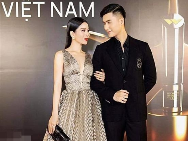 Chỉ với 1 hành động, Lệ Quyên chính thức xác nhận đang hẹn hò tình trẻ kém 12 tuổi Lâm Bảo Châu