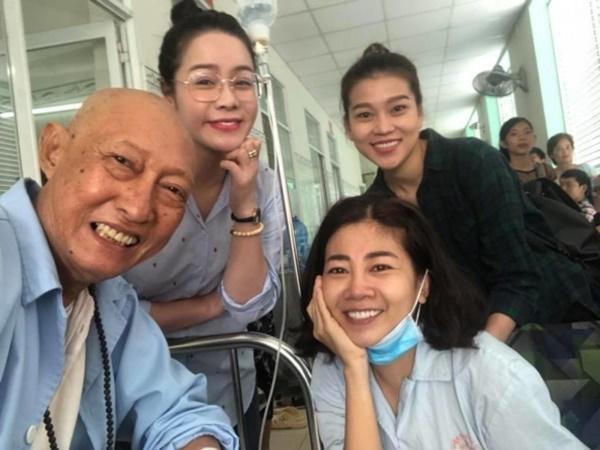 Cùng chống chọi với bệnh ung thư, khán giả xót xa trước nụ cười lạc quan của nghệ sĩ Lê Bình - Mai Phương trong một khung ảnh