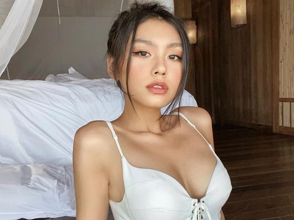 Gia thế khủng của cô gái Việt lọt top 100 gương mặt đẹp nhất hành tinh