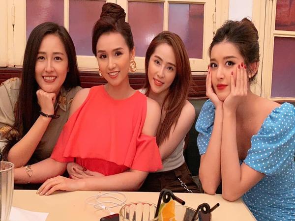 """Giữa ồn ào """"nghỉ chơi"""", Huyền My gia nhập hội bạn Mai Phương Thuý, Quỳnh Nga và toàn sao đình đám?"""