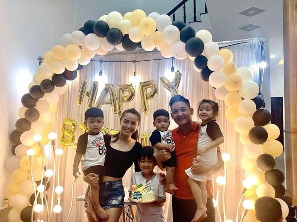Khoe ảnh sinh nhật Thành Đạt, Hải Băng gây chú ý vì cách thể hiện tình cảm với con riêng của chồng