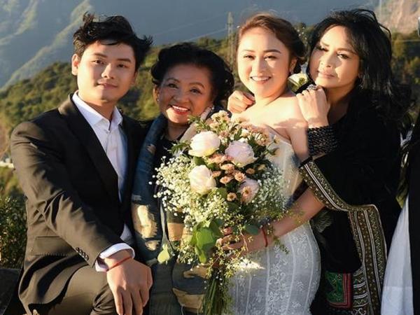 Hé lộ hậu trường chụp ảnh cưới của con gái Thanh Lam: Cô dâu chú rể khoá môi, nhan sắc nữ diva U55 gây chú ý