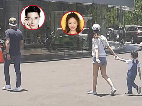 Hiếm khi cả nhà 3 người cùng nhau xuất hiện nơi công cộng nhưng con gái Lâm Tâm Như và Hoắc Kiến Hoa lại nổi hơn cả bố mẹ