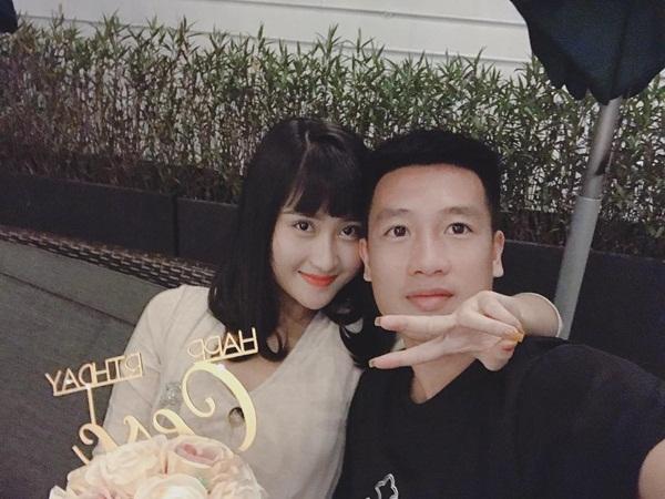 Hot girl Hải Phòng khoe ở chung với tiền vệ Huy Hùng là ai?