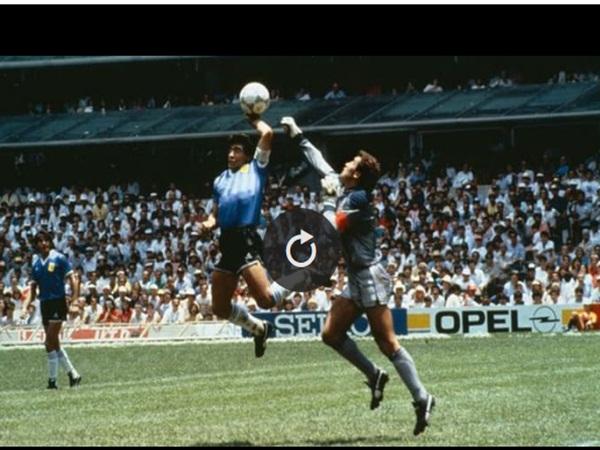 Maradona và bàn thắng gây tranh cãi 'nhất mọi thời đại', dùng tay chọc thủng lưới đội bạn