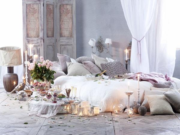 Muốn đêm tân hôn hoàn hảo, chị em đừng bỏ qua những cách trang trí phòng cưới đơn giản mà lãng mạn này!