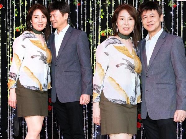 Ở tuổi U70, danh ca Thái Châu phong độ, tình tứ bên vợ đẹp khi đi làm giám khảo