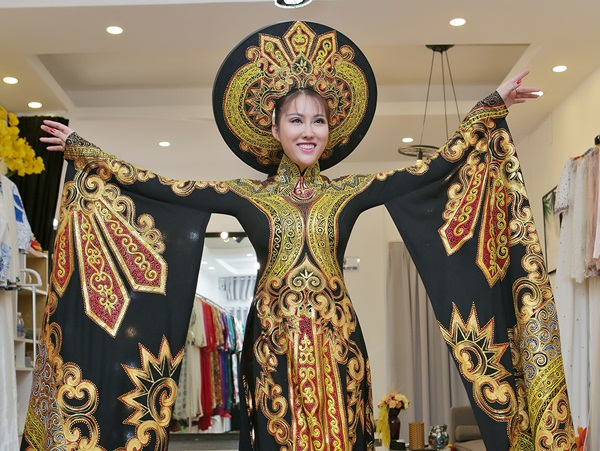 Quyết không về tay trắng, Phi Thanh Vân mạnh tay đầu tư trang phục cho đêm chung kết Hoa hậu Doanh nhân Thế giới người Việt
