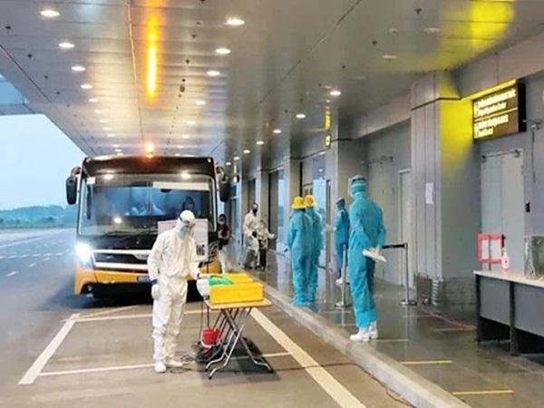 Sáng 22/7, thêm 5 ca nhiễm COVID-19 ở Việt Nam, còn cách ly gần 12.500 người