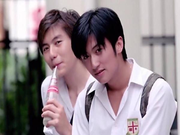 Tạ Đình Phong thời trẻ đẹp trai thế nào mà khiến cho Vương Phi lẫn Trương Bá Chi mê mẩn?