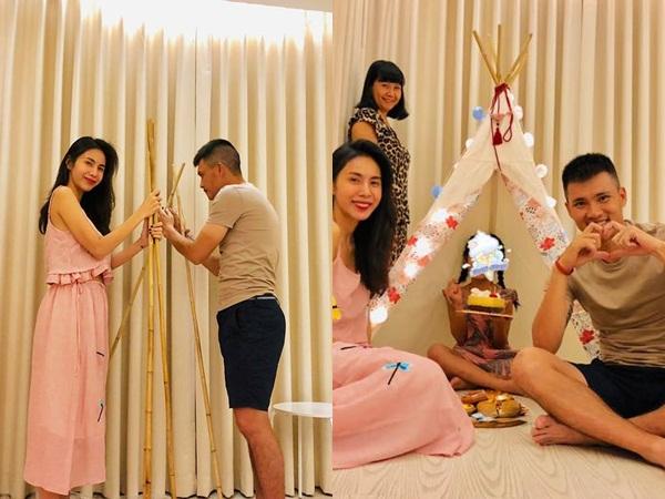 Thủy Tiên - Công Vinh làm sinh nhật 'gói ghém' cho con gái cưng, bé Bánh Gạo lớn phổng phao khó nhận ra