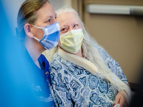 Tìm được em gái sau 50 năm thất lạc nhờ đại dịch COVID-19