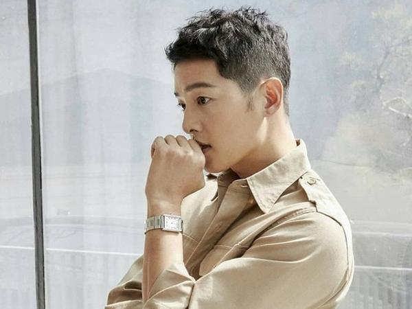 """Tin đồn hẹn hò nữ luật sư còn chưa """"hạ nhiệt"""", Song Joong Ki lần đầu tiên làm điều này kể từ khi ly hôn Song Hye Kyo"""