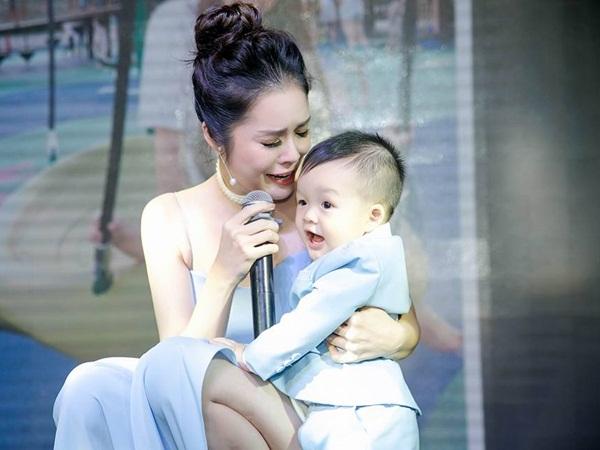 Hậu ly hôn, Dương Cẩm Lynh chạnh lòng: 'Một người mẹ đơn thân có phải là người thất bại?'