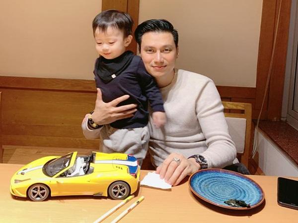 Việt Anh tâm sự bản thân thay đổi rất nhiều kể từ khi có con trai